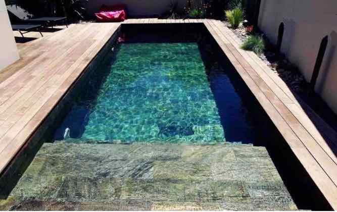 piscine feuille de pierre